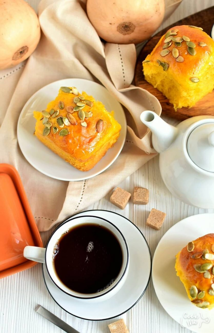 Pumpkin Soft Fluffy Dinner Rolls