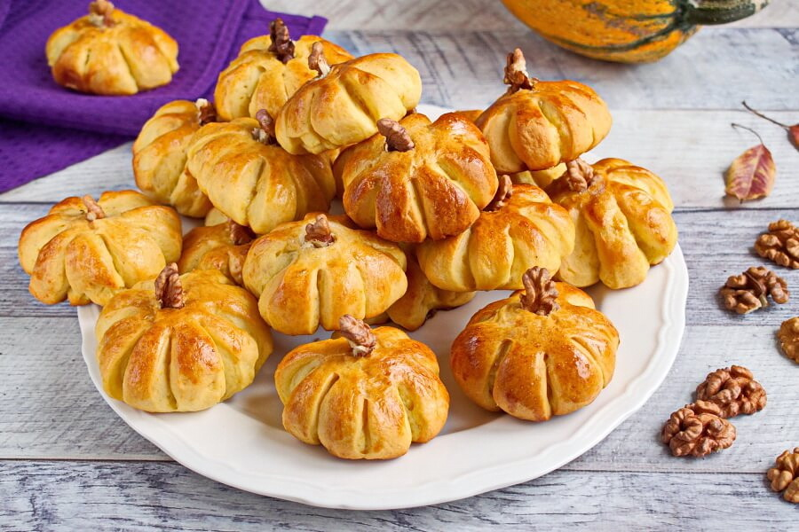 Pumpkin Dinner Rolls recipe-How to make Pumpkin Dinner Rolls-Easy Pumpkin Dinner Rolls