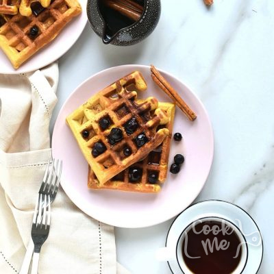 Pumpkin Waffles With Cinnamon Maple Syrup Recipe-How To Make Pumpkin Waffles With Cinnamon Maple Syrup-Delicious Pumpkin Waffles With Cinnamon Maple Syrup