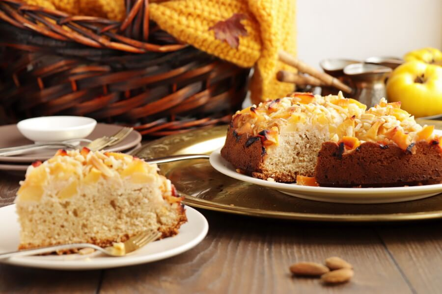 Quince Cake Recipe-Delicious Quince Cake-How to Make a Quince Cake