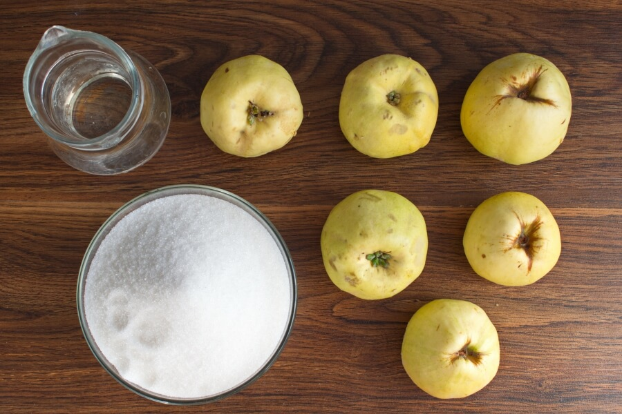 Ingridiens for Quince Paste