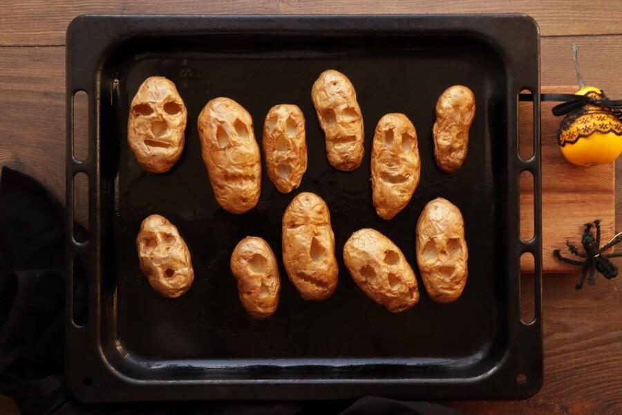 Shrunken Potato Heads with Slime Dip recipe - step 4