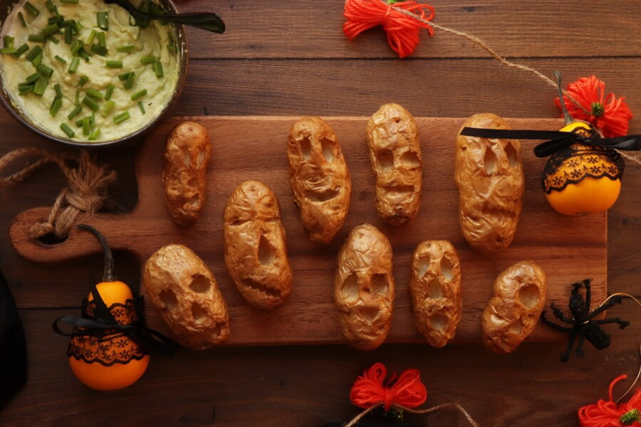 How to serve Shrunken Potato Heads with Slime Dip