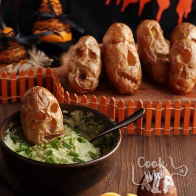 Shrunken Potato Heads with Slime Dip Recipe-Easy Shrunken Potato Heads with Slime Dip-How to Make Shrunken Potato Heads with Slime Dip
