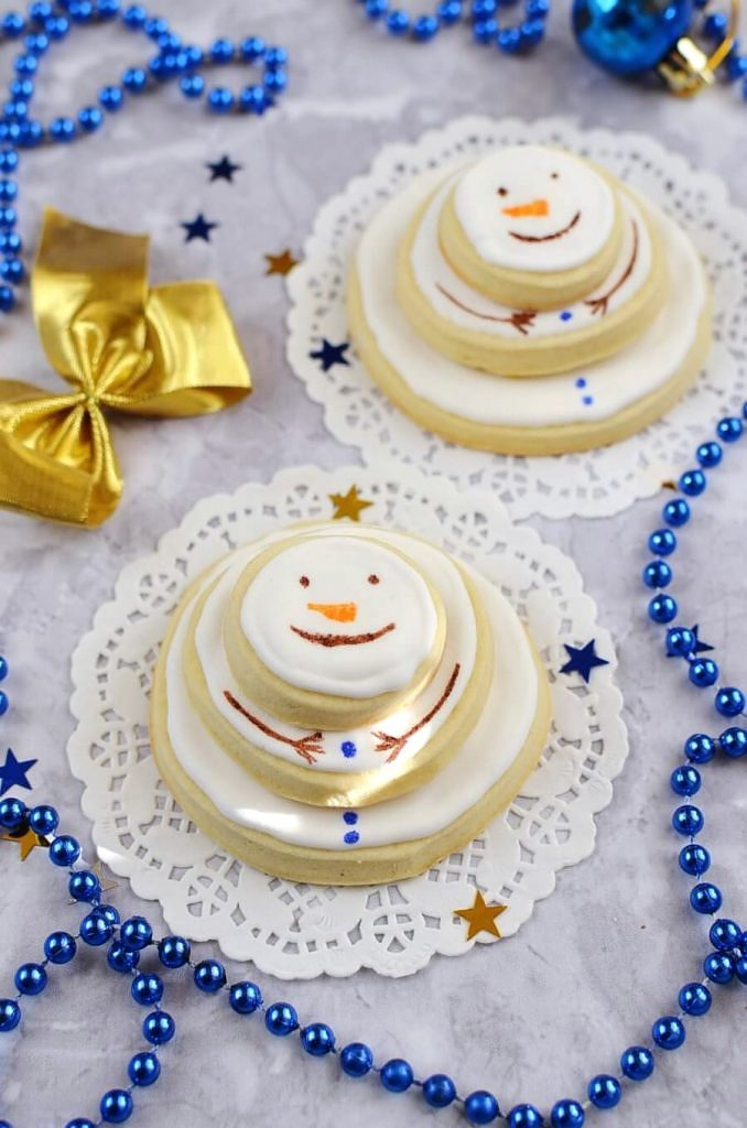 Stacking-snowmen-biscuits-Recipe-How-To-Make-Stacking-snowmen-biscuits-Delicious-Stacking-snowmen-biscuits