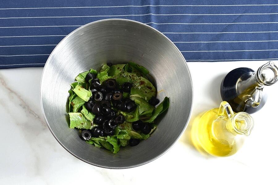 Low Carb Turkey Burger Salad with Avocado recipe - step 4