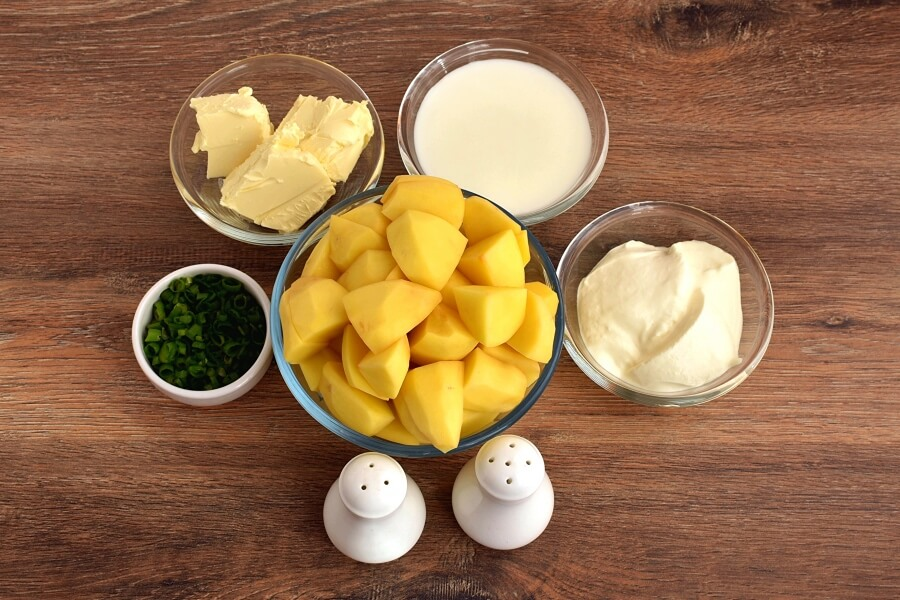 Ingridiens for Sour Cream and Chive Mashed Potatoes