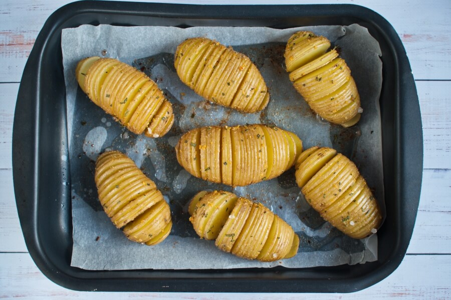 Baked Hasselback Potatoes recipe - step 4