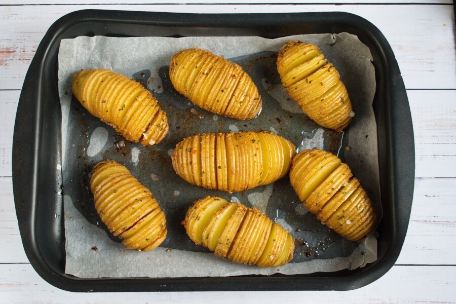 Baked Hasselback Potatoes recipe - step 7