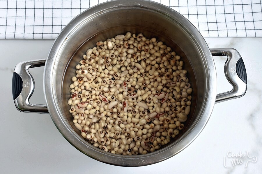 Black Eyed Peas with Bacon and Pork recipe - step 2