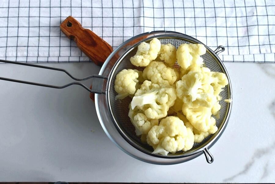 Cauliflower and Cheese Casserole recipe - step 1