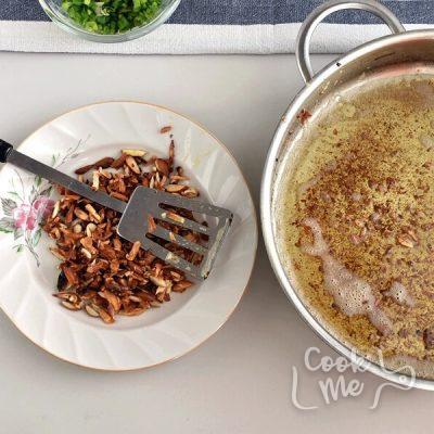 Chicken Almondine recipe - step 1