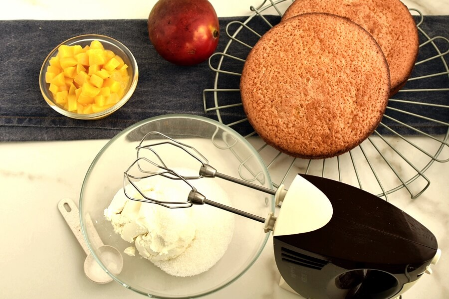 Easy Thai Mango Cake recipe - step 6