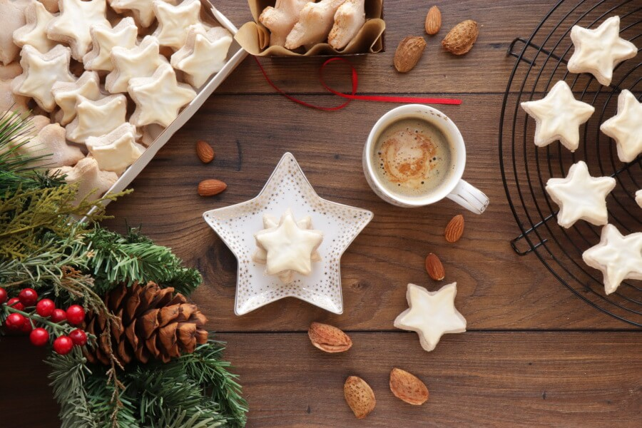 How to serve German Cinnamon Star Christmas Cookies