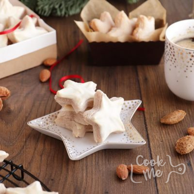 German Cinnamon Star Christmas Cookie Recipe-Authentic Zimtsterne-German Cinnamon Star Cookie