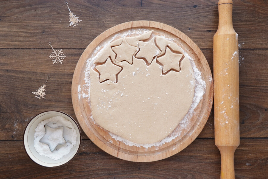 German Cinnamon Star Christmas Cookies recipe - step 5