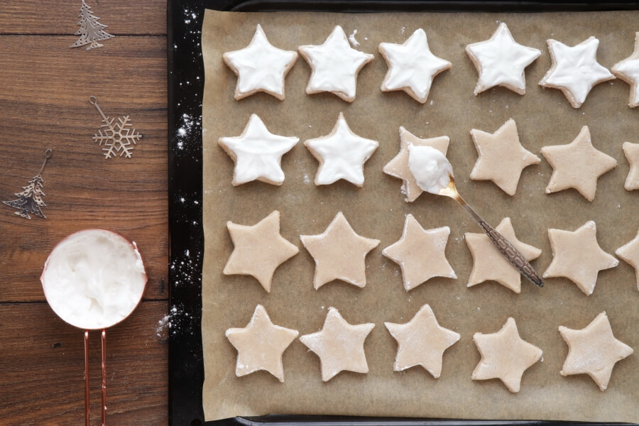 German Cinnamon Star Christmas Cookies recipe - step 6