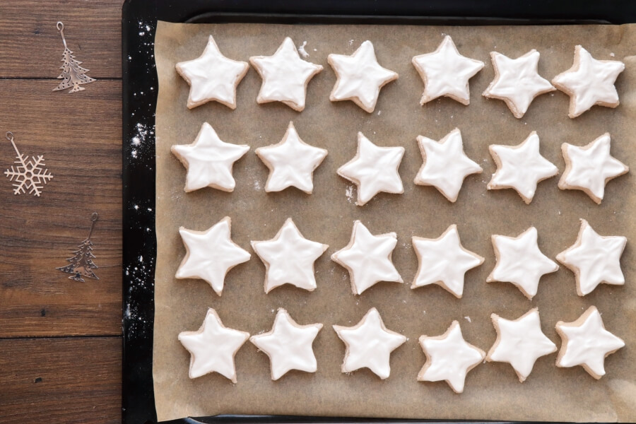 German Cinnamon Star Christmas Cookies recipe - step 7