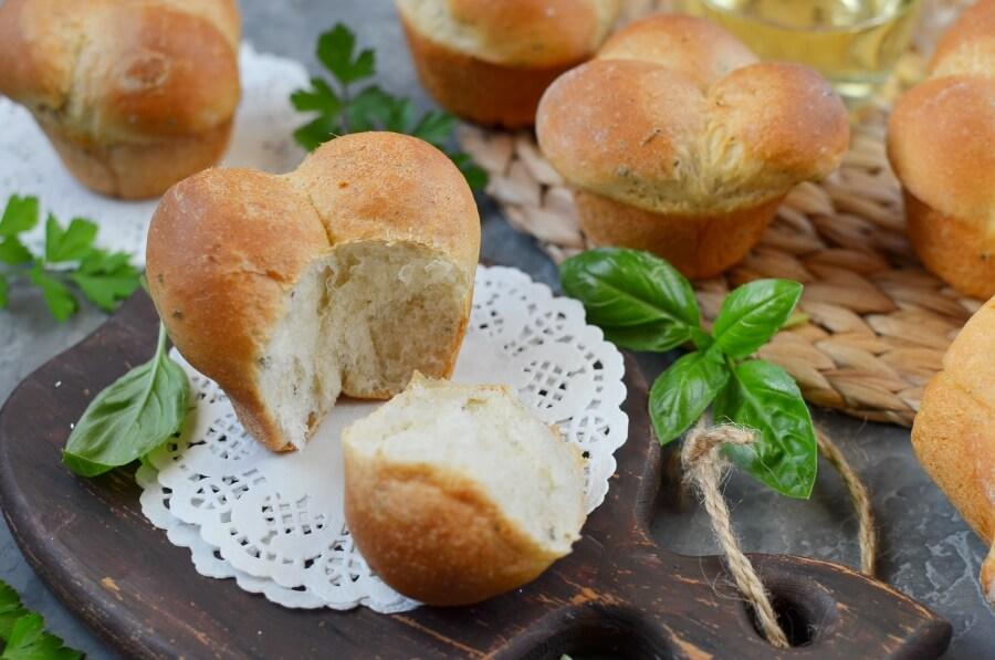 How to serve Cloverleaf Herb Dinner Rolls