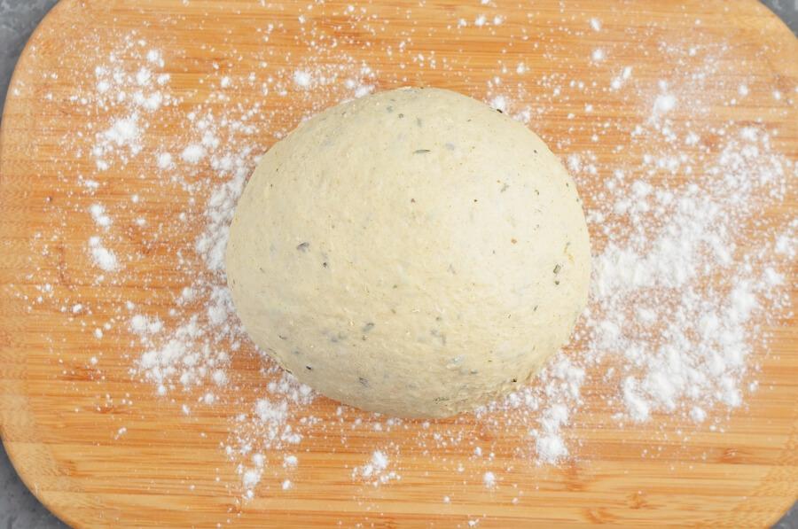 Cloverleaf Herb Dinner Rolls recipe - step 3