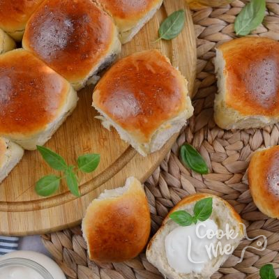 Mini Rolls for a Crowd Recipe-How To Make Mini Rolls for a Crowd-Delicious Mini Rolls for a Crowd