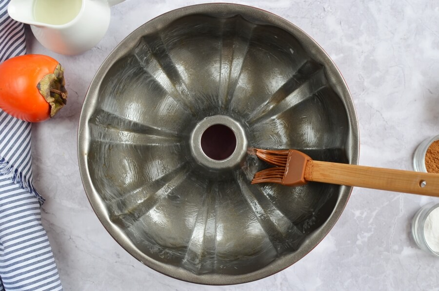 Persimmon Rum Bundt Cake recipe - step 1