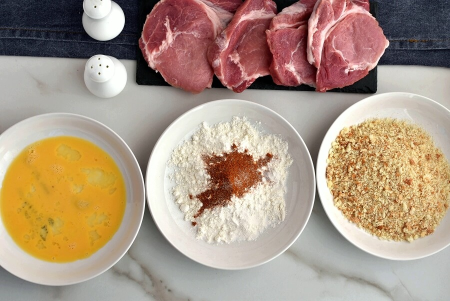 Pork Cutlets with Panko and Gravy recipe - step 1