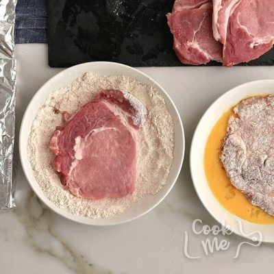 Pork Cutlets with Panko and Gravy recipe - step 3