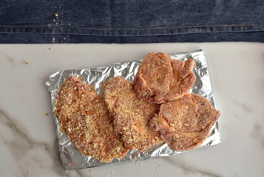 Pork Cutlets with Panko and Gravy recipe - step 4
