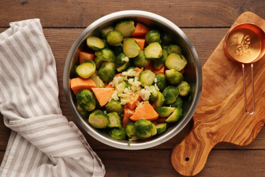 Roasted Sweet Potatoes and Brussels Sprouts recipe - step 3