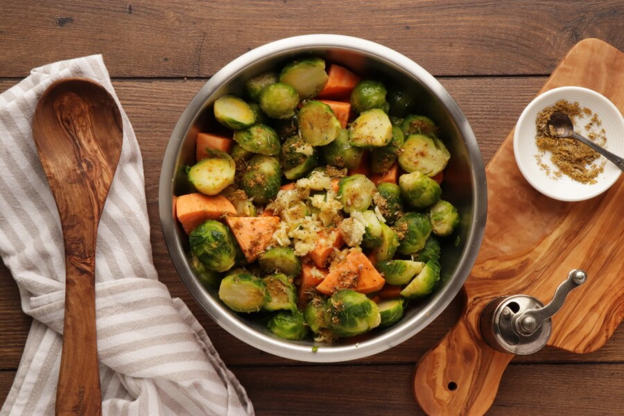 Roasted Sweet Potatoes and Brussels Sprouts recipe - step 4