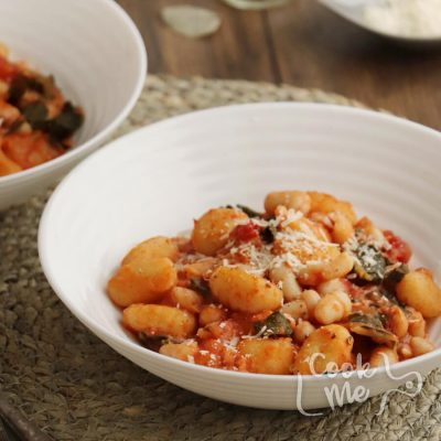 Skillet Gnocchi with Chard & White Beans Recipe-Easy Skillet Gnocchi with Chard & White Beans-Delicious Skillet Gnocchi with Chard & White Beans