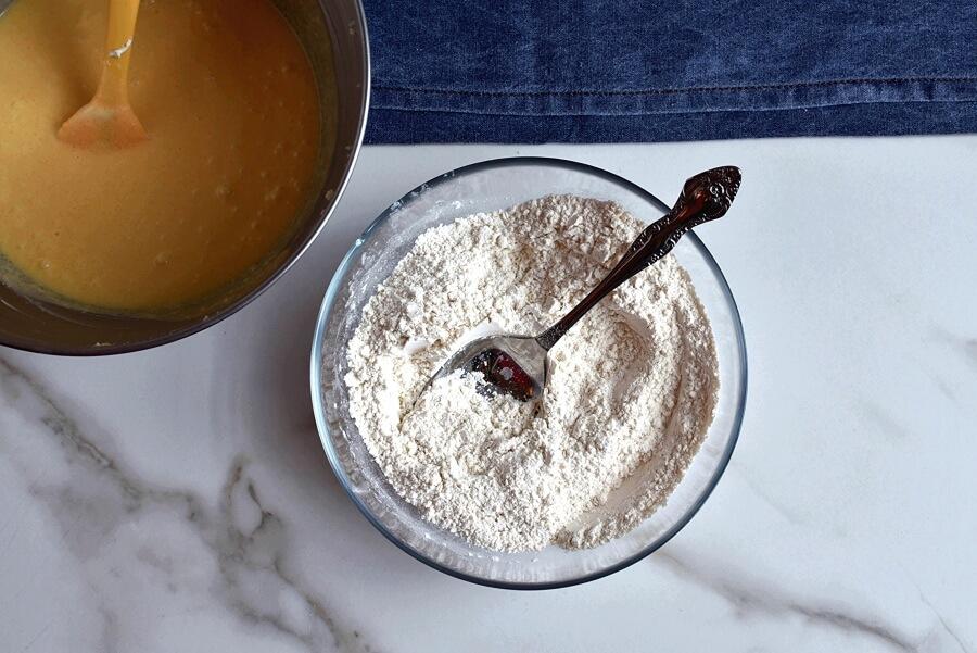 Sour Cream Pound Cake recipe - step 5