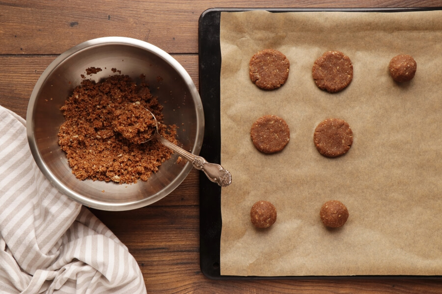 Spiced Chocolate Chestnut Cookies recipe - step 5