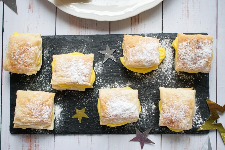 How to serve Sporcamuss Italian Cream Filled Pastries