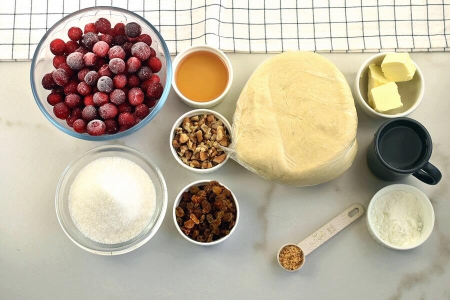 Ingridiens for Walnut-Cranberry Pie
