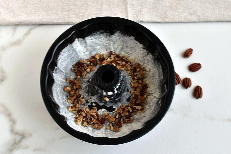 Bacardi Rum Bundt Cake recipe - step 2