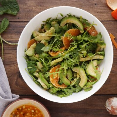 Avocado and Tangerine Salad with Spicy Vinaigrette recipe - step 7