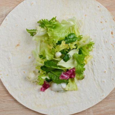 Avocado and Tuna Salad Wraps recipe - step 3