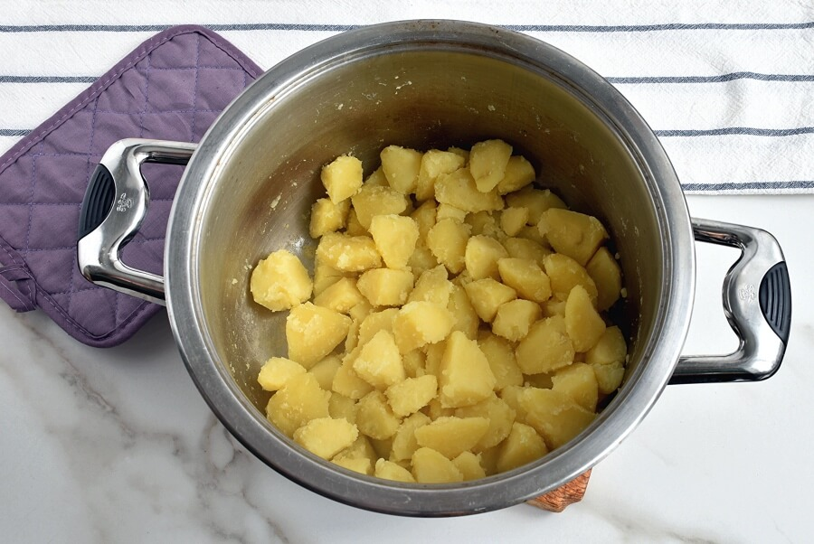 Baked Mashed Potatoes with Cheese recipe - step 6