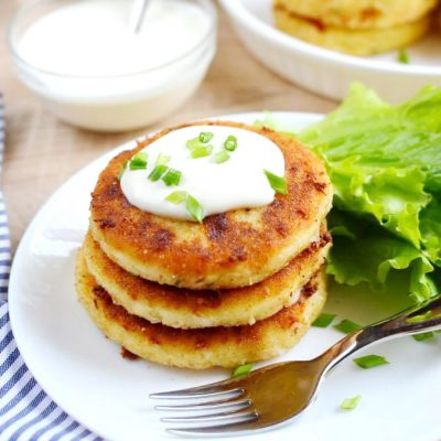 Cheesy-Mashed-Potato-Pancakes-Recipe-How-To-Make-Cheesy-Mashed-Potato-Pancakes-Delicious-Cheesy-Mashed-Potato-Pancakes