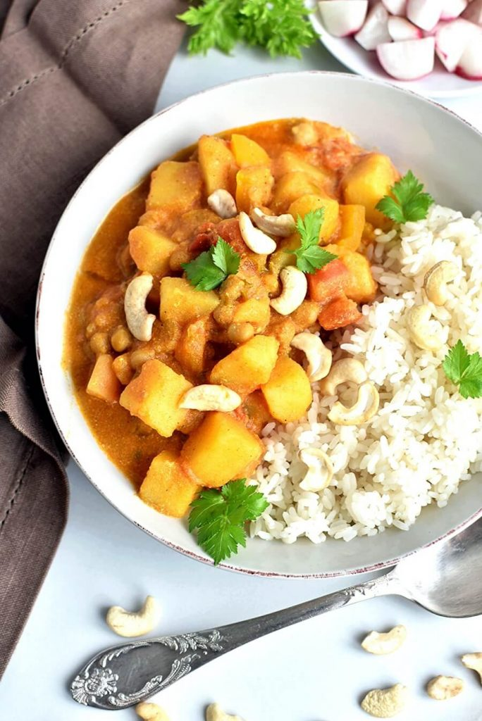 A hearty spicy vegan curry