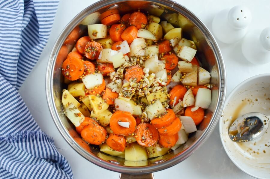Crockpot Balsamic Chicken and Vegetables recipe - step 3