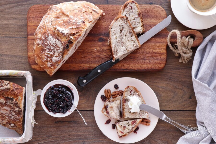 How to serve Crusty Cranberry Nut No Knead Bread