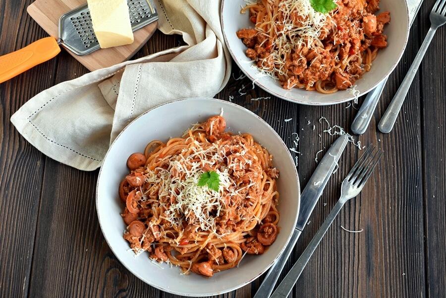 How to serve Filipino Spaghetti