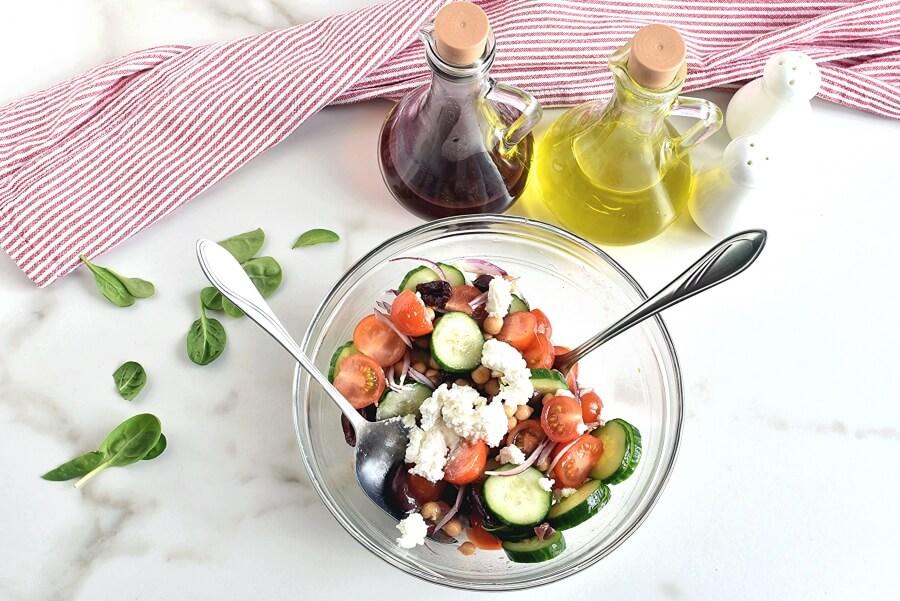 Greek Salad Wraps recipe - step 3