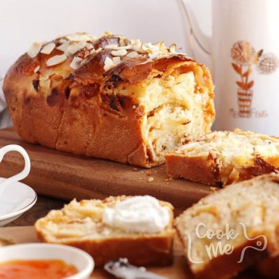 Herbed Goat Cheese and Apricot Babka Recipe-Savory Herbed Goat Cheese and Apricot Babka-Easy Goat Cheese and Apricot Babka