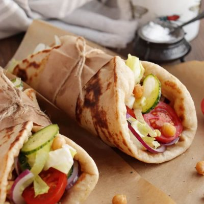 Mediterranean Chickpea Naan Wraps Recipe-Chickpea Naan Wraps-Easy Chickpea Naan Wraps