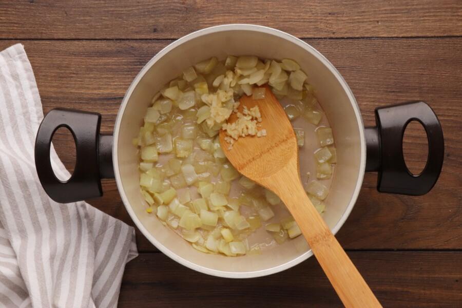 One Pot Turmeric Cauliflower Soup recipe - step 2