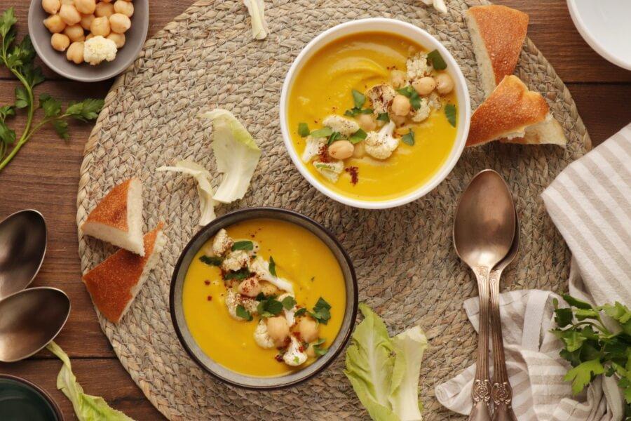 How to serve One Pot Turmeric Cauliflower Soup